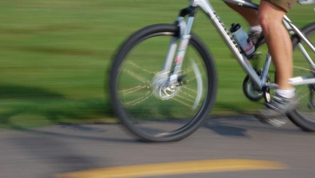 Ελεύθερες πιλοτικά πολλές λεωφορειολωρίδες για ποδήλατο.