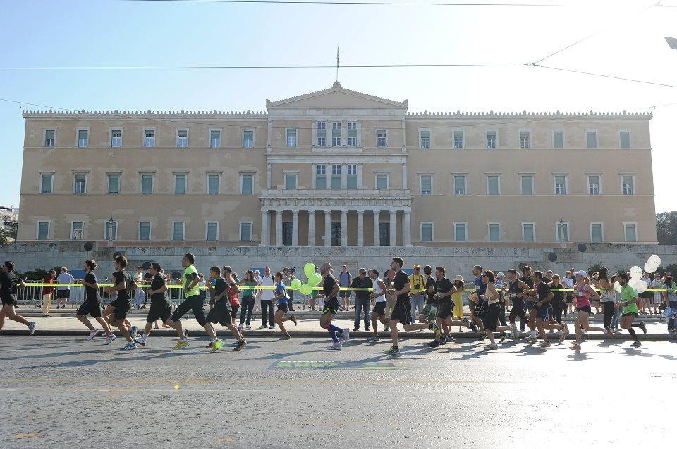 Με επιτυχία ολοκληρώθηκε το Nike We Run Athens 10k 2012 για τους λάτρεις του τρεξίματος την Κυριακή 7/10 στο Κέντρο των Αθηνών (αποτελέσματα, photos).
