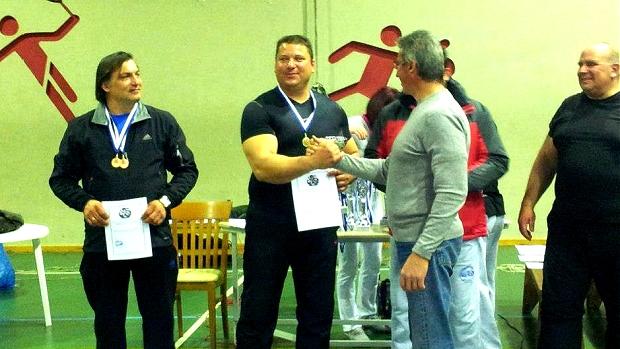 Ο Γιώργος Χαραλαμπόπουλος είναι πολυπρωταθλητής χειροπάλης, αλλά και με εντυπωσιακό βιογραφικό σε άρση βαρών, bodybuilding και πάλη. Αφιέρωμα του XBody.gr στον Έλληνα υπεραθλητή.