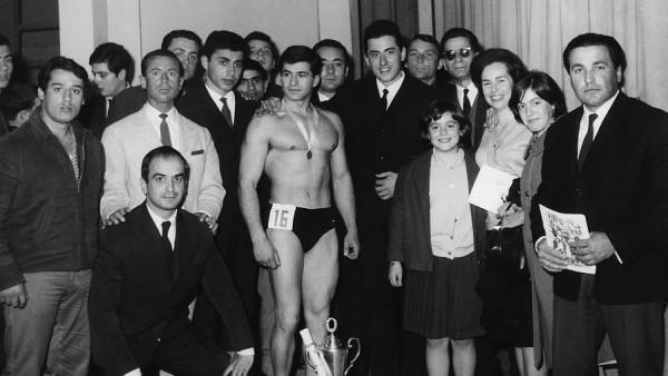 Μρ. Αθήναι 1966 Αντώνης Λιβάνιος με Ανδρέα και Νίκο Ζαπατίνα