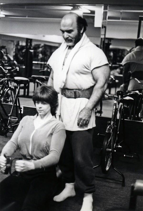 Στην Αμερική, συνεισφέροντας στη διάδοση του bodybuilding στις γυναίκες.