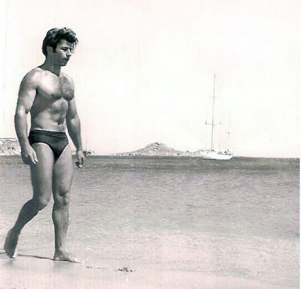 antonis-livanios-beach-01